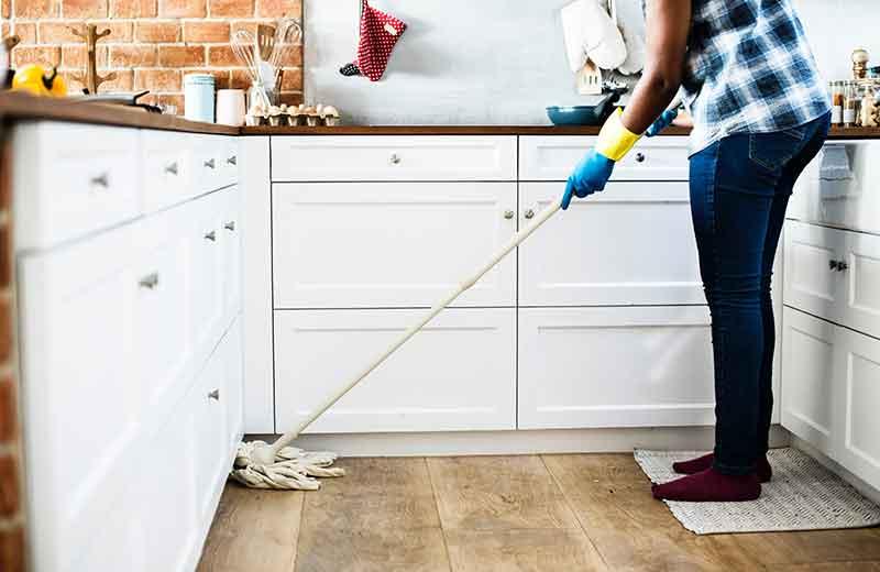 Met een goede schoonmaakbeurt kun je rooklucht verwijderen