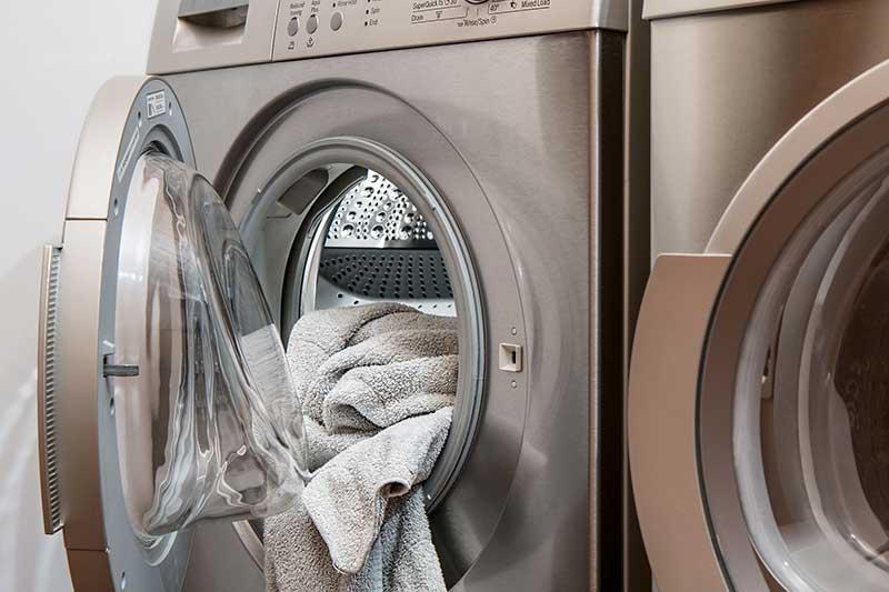 Brandlucht uit kleding zonder wassen